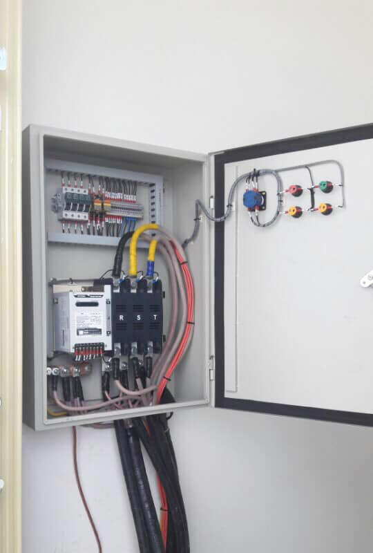 Cung cấp lắp đặt máy phát điện cummins 100kVA cho trường sỹ quan không quân Nha Trang