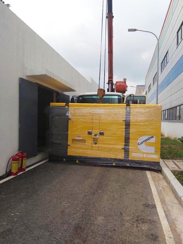 Cung cấp Lắp đặt máy phát điện Cummins 200kVA cho nhà máy lọc nước Karofi